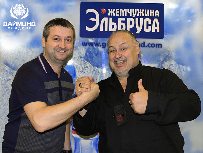 """Andrey Mishurov with """"Russian Pavarotti"""" Alexander Savin – """"Cheering on our team!"""""""
