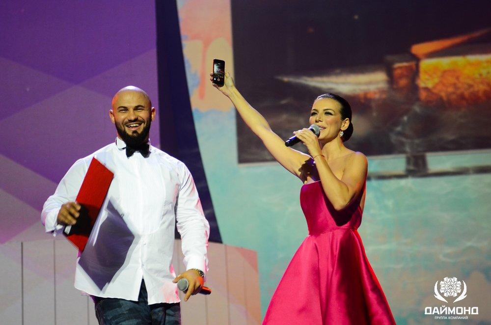 Dzigan and Anna Sedakova at the award on