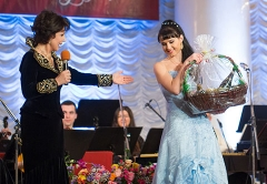 Galina Preobrajenskaya and Pelagia Kurennya, winner of the Grand Prix 2013 Romansiada