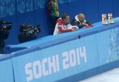 Танцы на льду VALENKI cсмотрели с трибуны тренеров прямо с Александром Жулиным
